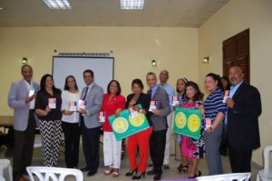 Servicio Regional de Salud Este inicia entrega de protocolos a gineco-obstetras de la región.