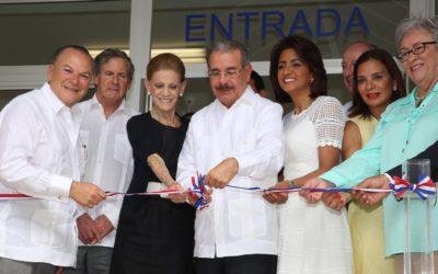 Salud para 15 mil niños del Este, Danilo y doña Candy asisten inauguración Pediátrico