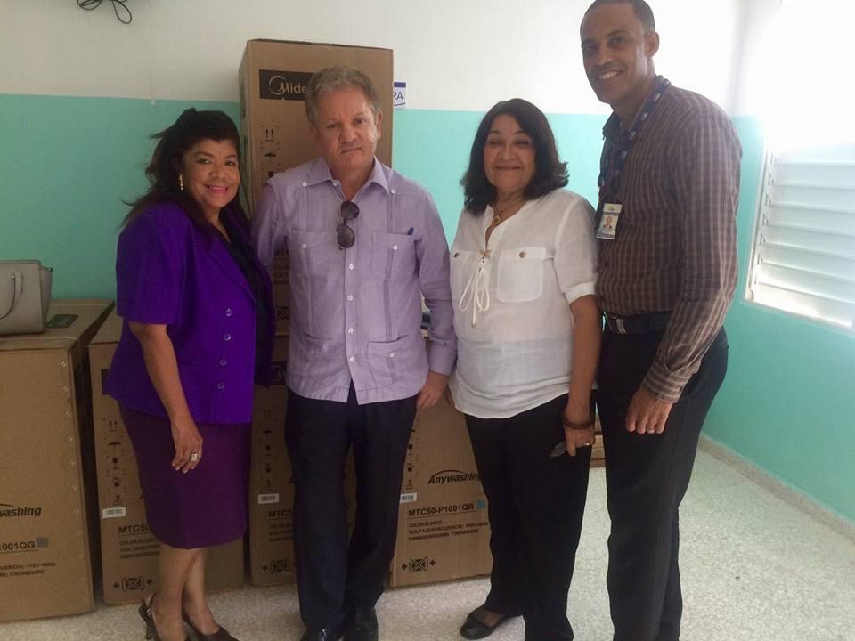 Servicio Regional de Salud Este recibe equipos para centros que han sido remodelados