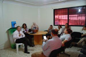 Director del Servicio Regional de Salud Este se reúne con personal de hospital de Consuelo.