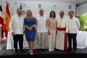 Dr. Virgilio Cedano participa en acto donde inician trabajos de construccion de Centro Oftalmologico con auspicio de G. Puntacana e INCIVI.