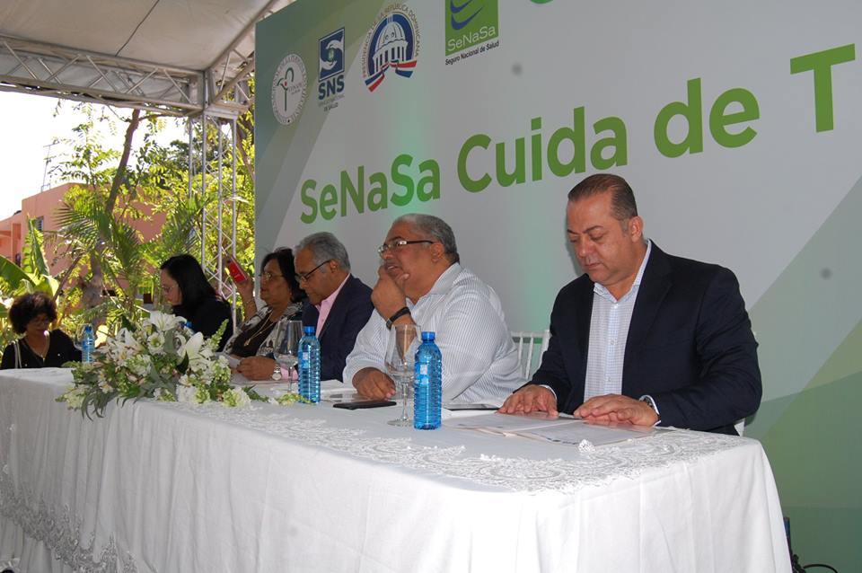 """SeNaSa y SNS inician programa """"SeNaSa Cuida de Ti"""", dirigido a adultos mayores."""