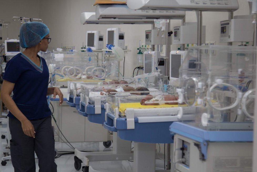 SNS destaca reducción de alrededor un 30% en muertes neonatales