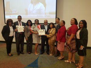 Dos hospitales pertenecientes al Servicio Regional de Salud Este reciben certificados por participar en estrategia Excelencia Materno Infantil