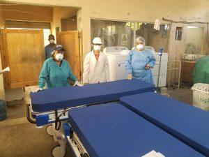 Servicio Regional de Salud Este entrega nuevas camas a hospital Jaime Oliver Pino
