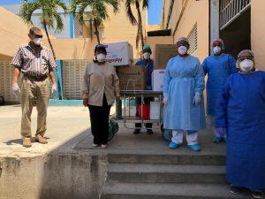 Servicio Regional de Salud Este realiza nueva entrega de materiales de protección para personal de hospital Jaime Oliver Pino