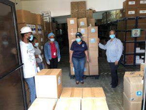 Llega nuevo cargamento de Equipos de Protección Personal a SRS Este para distribuirlos en centros de la región