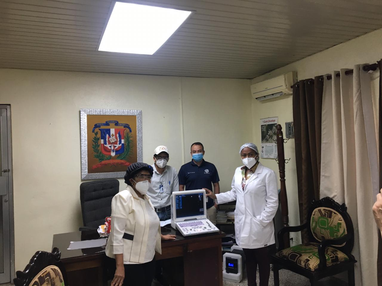 Hospital Arístides Fiallo de La Romana recibe nuevos equipos para área de Covid 19