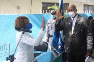 Dr. Pedro Claxton asume direccion Servicio Regional de Salud Este