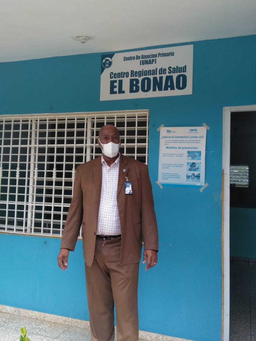 Dr. Pedro Claxton realiza visita a hospital Las Lagunas de Nisibón en La Altagracia