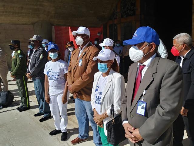 Director Regional de Salud Pedro Claxton participa en lanzamiento campaña contra el COVID19