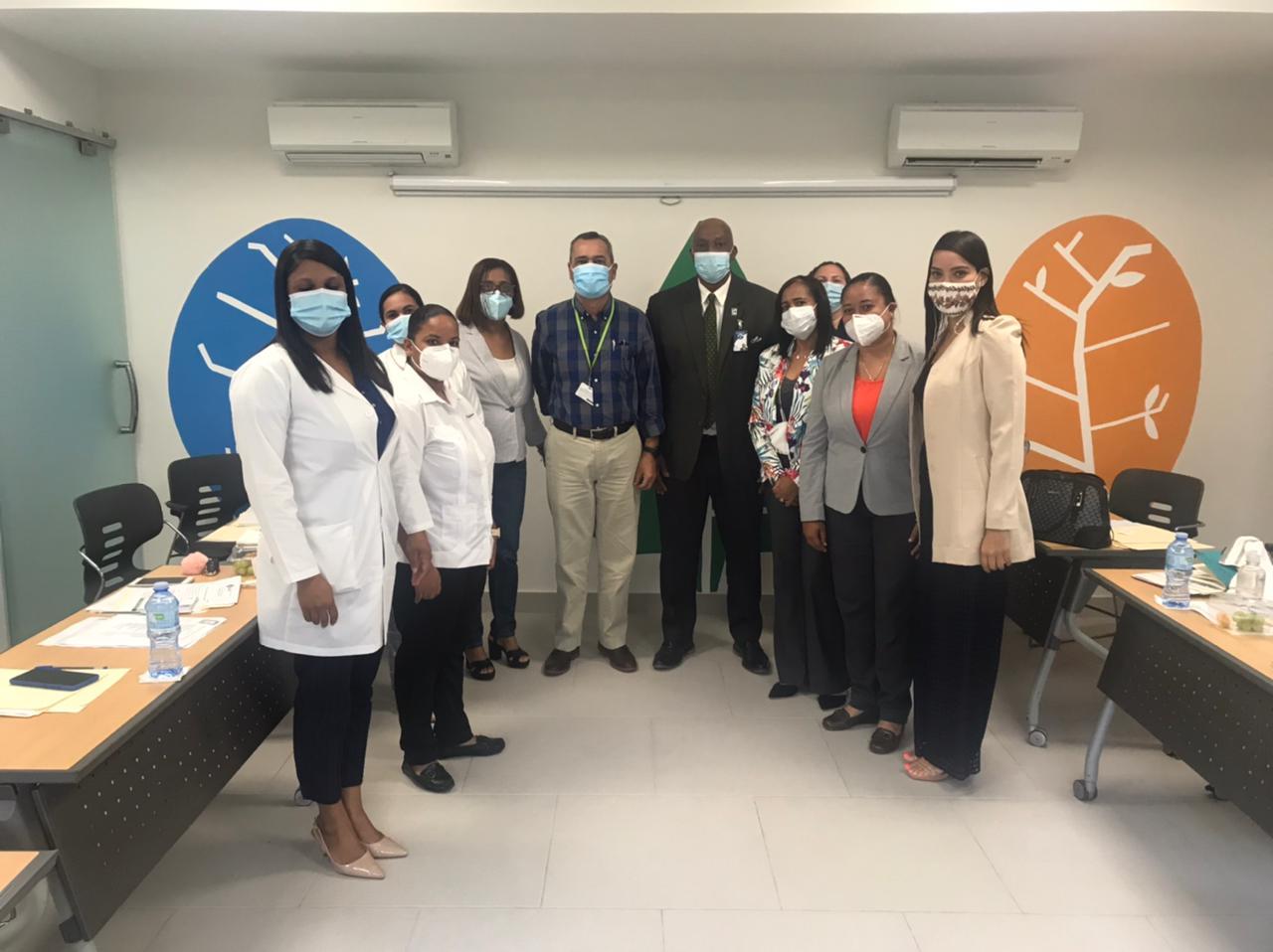 Director Regional de los Servicios de Salud se reúne con directivos del Centro de Atención Pediátrica Oscar de la Renta  y  Las UNAP de La Altagracia.