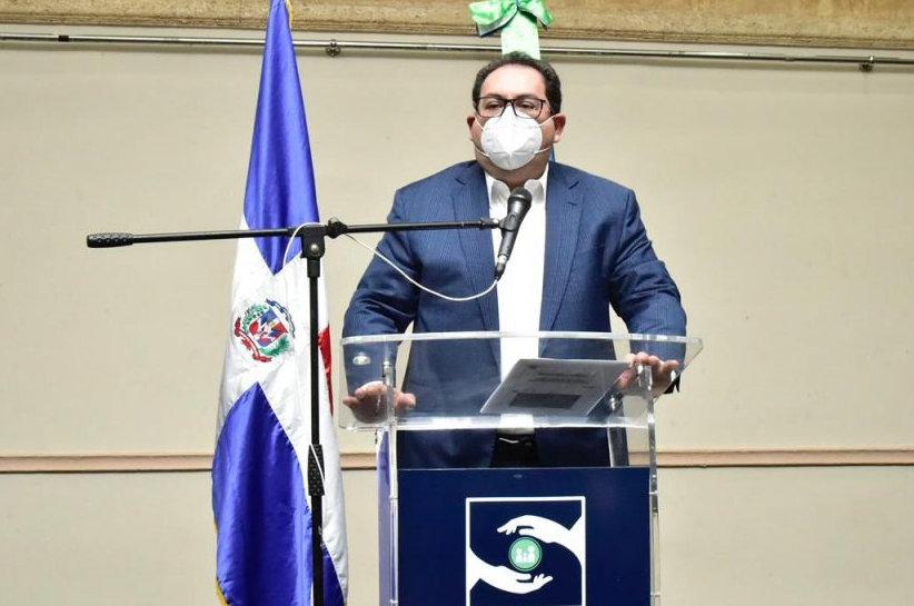 Director Regional Este de Salud participa en Encuentro de socialización de resultados con el Doctor Mario Lama del  SNS.