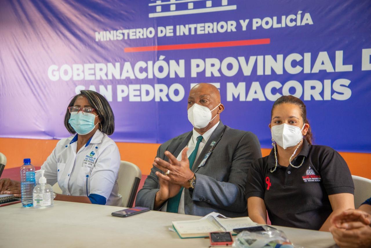 Regional Este de Salud y  Gobernación Provincial dejan conformada la comisión que trabajará Jornada,  Vacúnate RD contra el COVID19