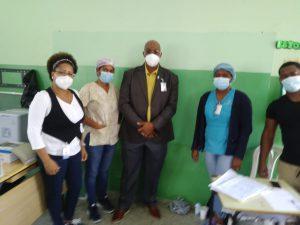 Director  Regional Este de Salud Visita Centros de Vacunación en los Distritos Educativos 01 y 02 en la Jornada  Vacúnate RD contra Covid19.