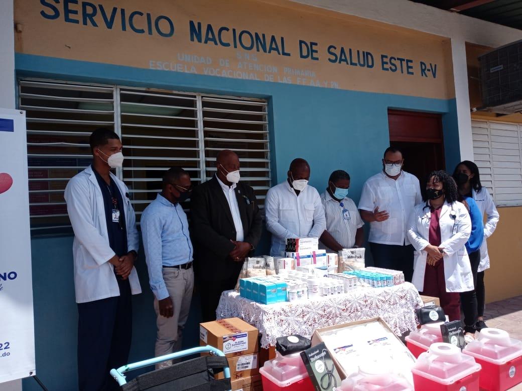 """Hospital General y Fundación """"El Buen Samaritano"""" donan medicamentos a Hospital y UNAP de la Romana"""