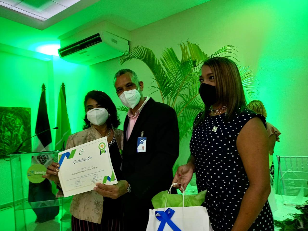 SENASA Reconoce Hospitales del SRS Este, por el Buen Servicio Ofrecido a sus Afiliados.