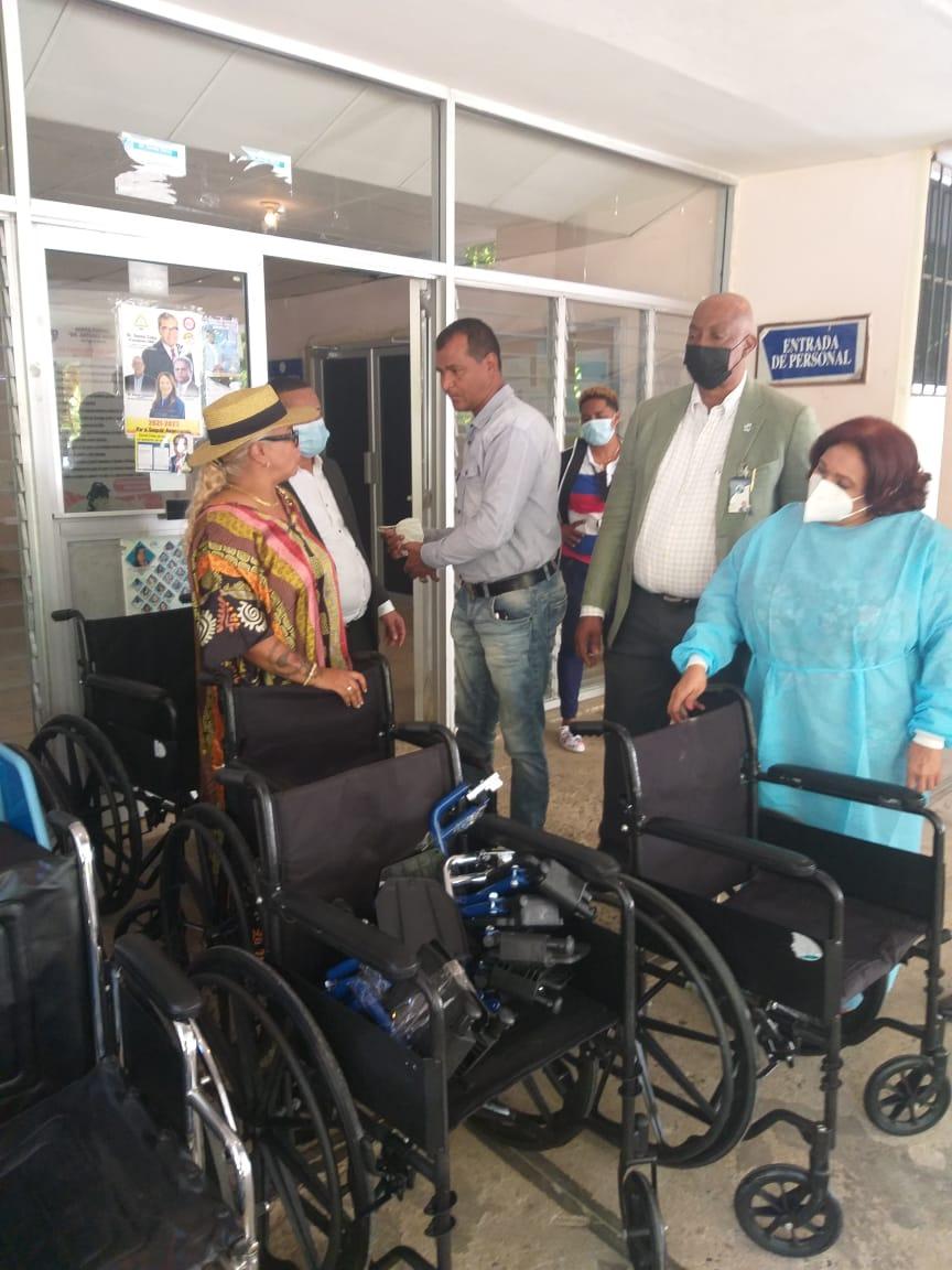 Hospital Dr. Antonio Musa recibe sillas de ruedas.